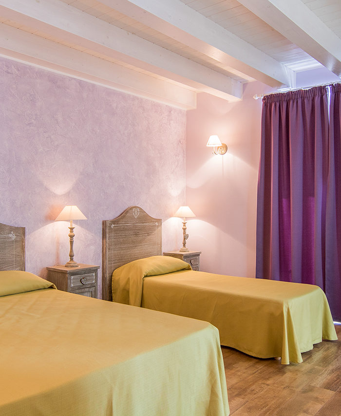 Rooms apollo bed and breakfast siracusa camere rooms for Bed and breakfast area riservata